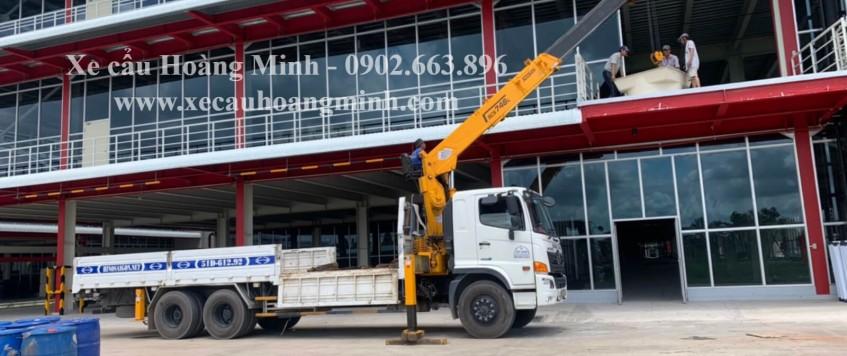 Cho thuê xe cẩu Quận Bình Tân TPHCM   Thi Công 24/24h